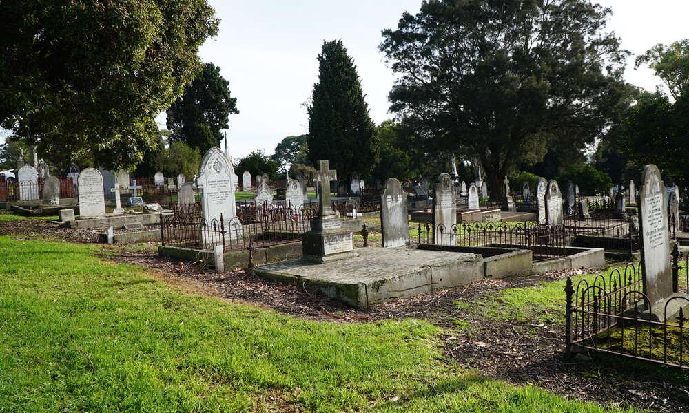 Lake Terrace Cemetery.