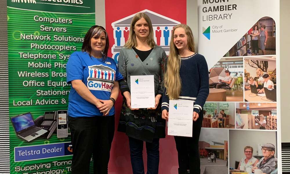 City of Mount Gambier Library Youth Services Coordinator Terasa Nearmy (left) with adult node winners Charlene Bachmann and Correa Bachmann (Mark Bachmann absent).