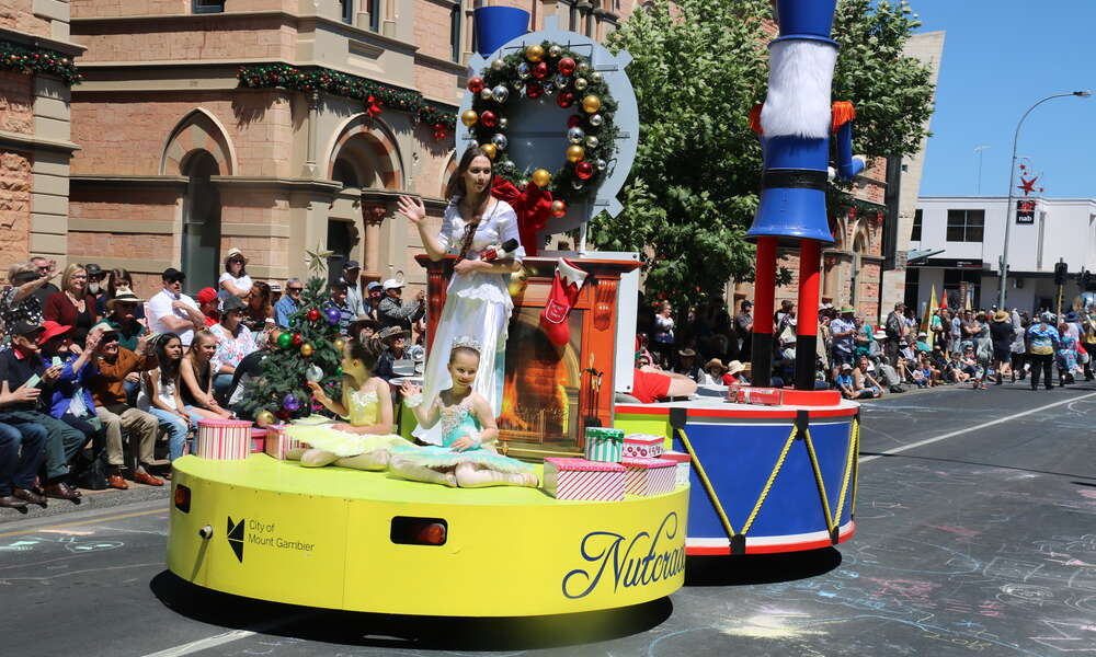 Council are calling for entries for the 2019 NF McDonnell and Sons Mount Gambier Christmas Parade.